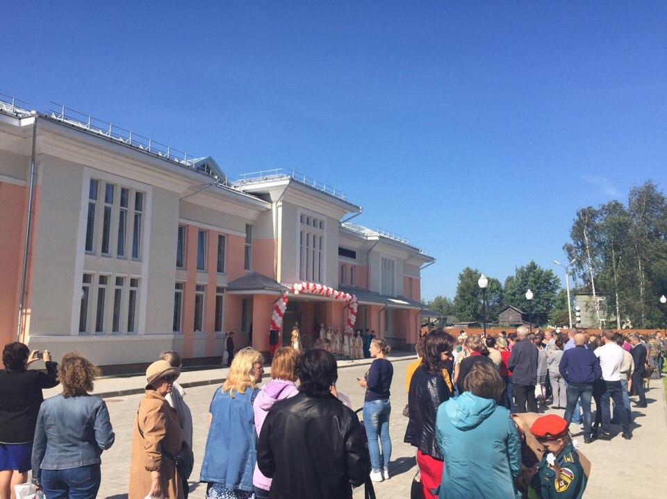 В Кириллове открыли Центр культурного развития, который должны были достроить в конце 2016 года