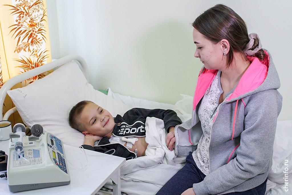 Череповецкие врачи спасли мальчика, который проколол сердце железным штырем