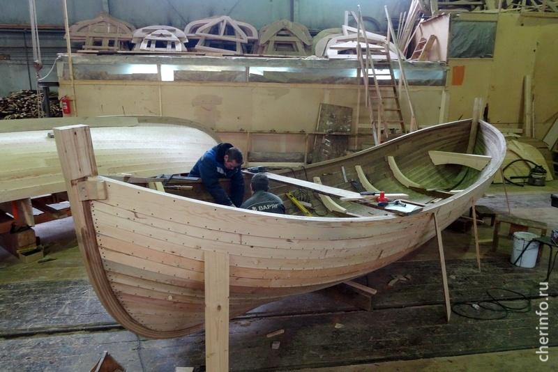 В Петрозаводске строят деревянную ладью для музея археологии Череповца