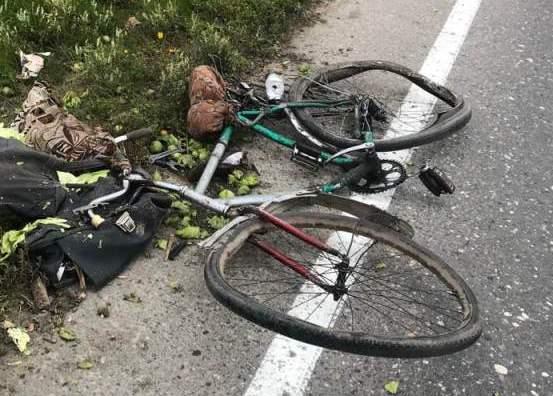 В кювете возле дороги Сокол-Харовск нашли мертвого мужчину