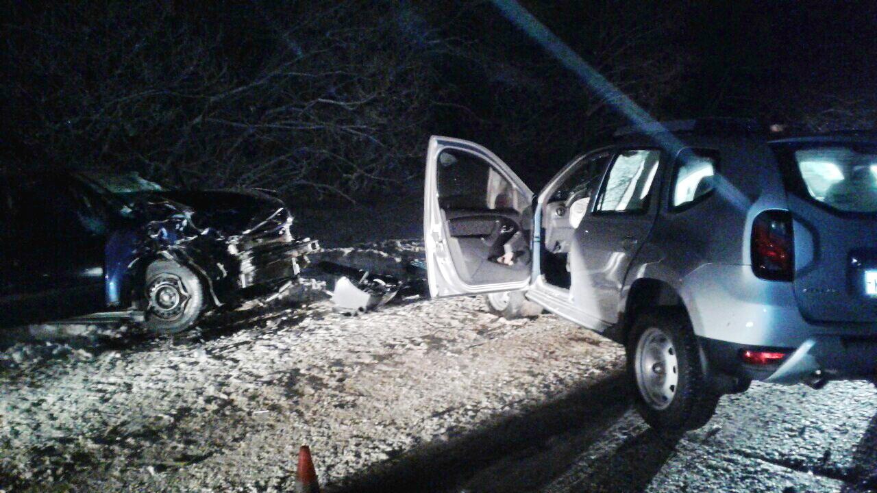 """В Великоустюгском районе из-за водителя, выехавшего на встречку, погибла пассажирка """"Рено"""""""