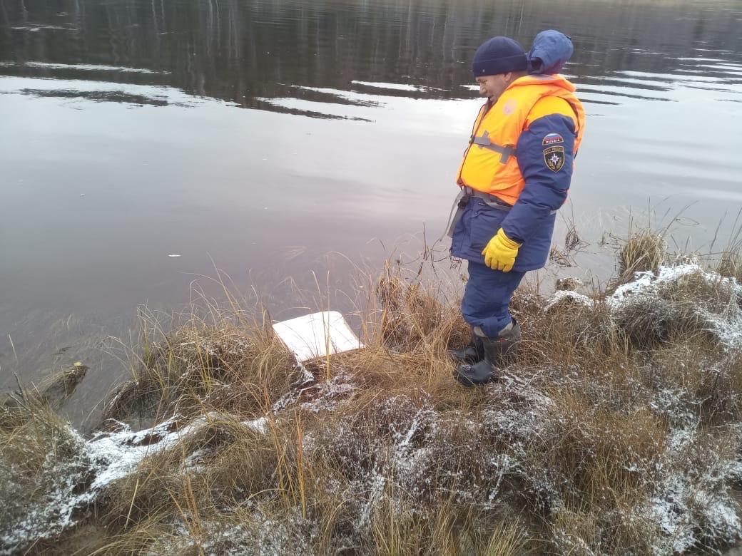 Кресло из салона вертолета нашли в километре от места его крушения в Нюксенском районе