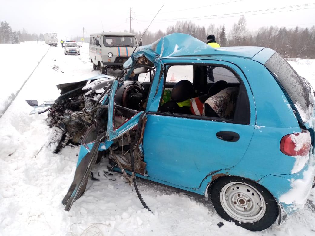 Два человека пострадали в ДТП в Кирилловском районе