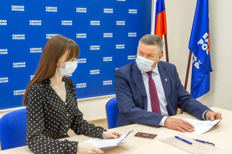Губернатор Олег Кувшинников подал документы для участия впраймериз «Единой России»