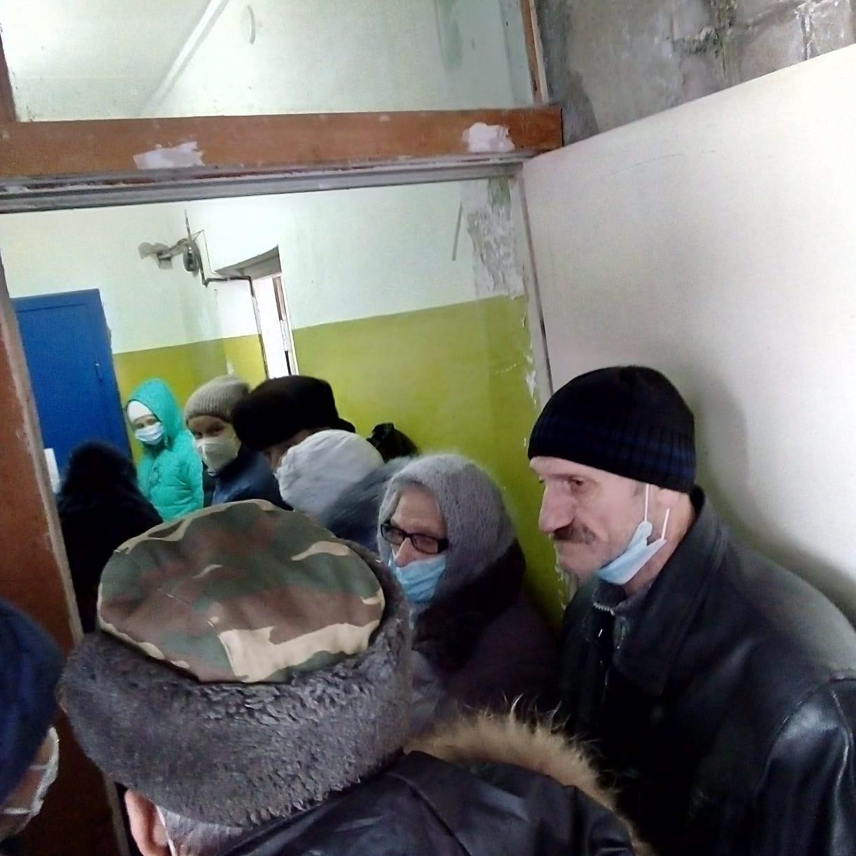 В очереди за пенсией: в селе Шухободь Череповецкого района почтовое отделение открывают раз в неделю