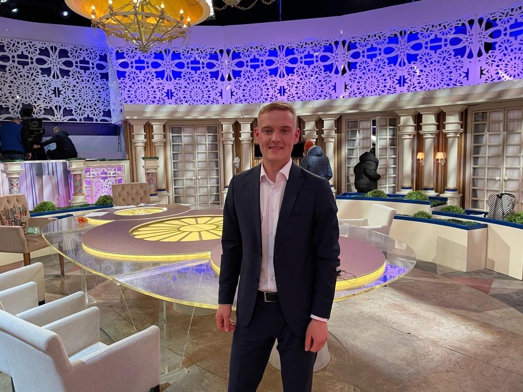 Вологодский пчеловод Дмитрий Олегин принял участие в телепрограмме «Давай поженимся»