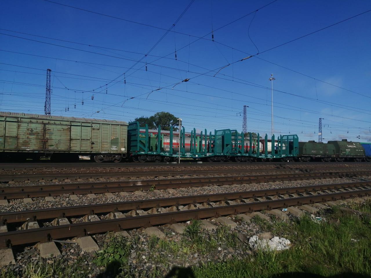 В Вологде забравшийся на крышу поезда 13-летний подросток получил электротравму
