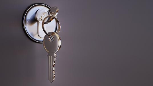 Многодетная семья из Федотово получила ключи от новой трехкомнатной квартиры