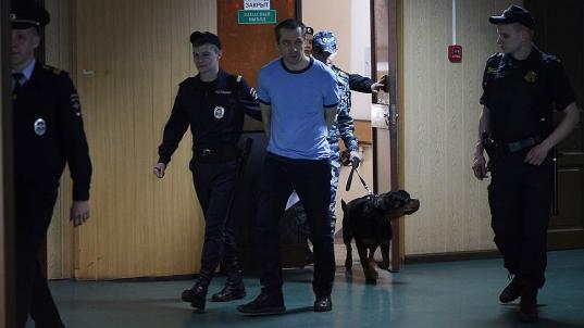 Обвиняемый во взятках полковник Захарченко скидывал свое фото гадалке для обряда, чтобы защититься от обысков