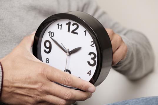 Депутат-единоросс предлагает вернуть сезонный перевод часов по той же причине, по которой его ранее отменили