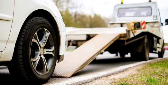 В Вологде член Общественного совета, нарушившая правила парковки, обвинила инспекторов ГИБДД в отсутствии совести