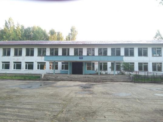 В Кадуйском районе директора школы поселка Хохлово уволили в связи с утратой доверия