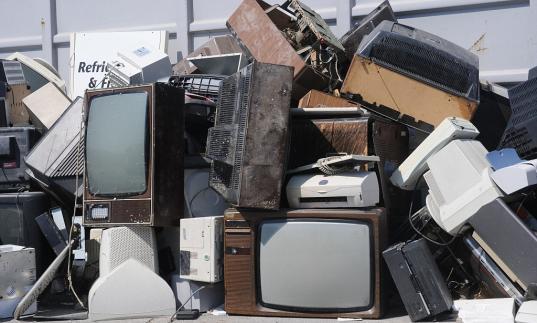 Вологжанам предлагают сдавать крупногабаритный мусор на свалку, хотя его вывоз уже учтен в тарифе