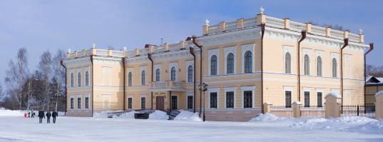 В Музей кружева в Вологде купили две коляски для посетителей с маленькими детьми
