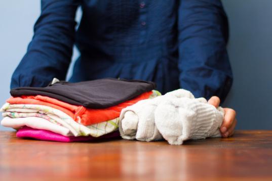 Вологодские семьи, воспитывающие приемных детей, будут раз в год получать выплату на покупку одежды