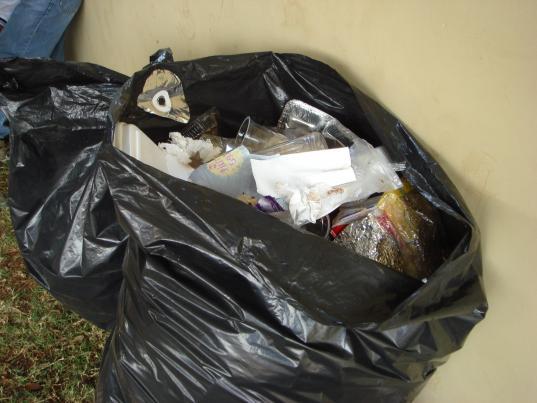 В прокуратуре Вологодской области назвали незаконным вывоз мусора из многоквартирных домов по графику