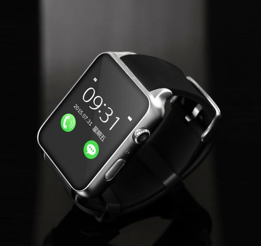 В Череповце клиенту салона сотовой связи незаконно приписали в кредитный договор на телефон смарт-часы