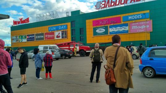 В Вологде из-за сообщений о минировании эвакуировали вокзал и несколько торговых центров