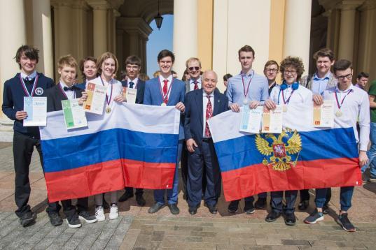 Ученики Вологодского многопрофильного лицея завоевали золото и бронзу Международной олимпиады по химии