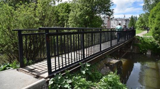В Вологде отремонтируют пешеходный мост через реку Содему