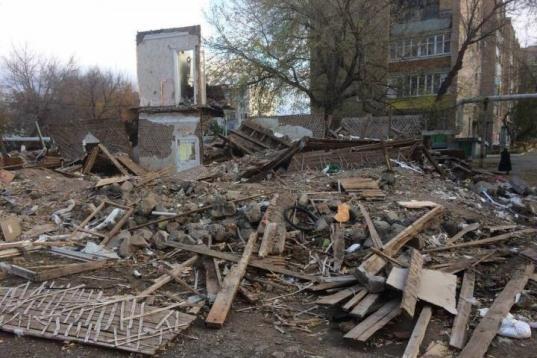 В Нюксенском районе суд обязал чиновников ликвидировать незаконную свалку с обломками аварийных домов