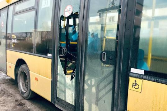 Хулиганом, стрелявшим из пневматики в автобус в Череповце, оказался школьник