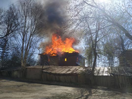 Расселенный дом на Набережной VI армии, 175 в Вологде после пожара сняли с торгов