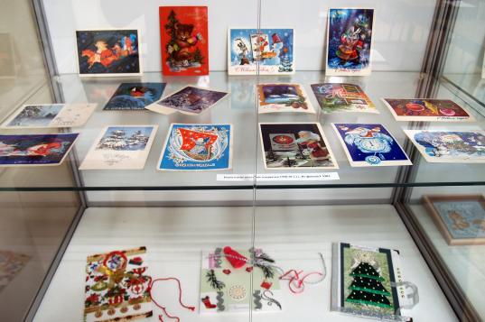В Вологде открылась выставка советских новогодних открыток