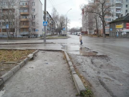 Пешеходные зоны. Тротуары Верхнего посада г. Вологды. Обещанного 3 года ждут.