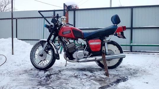 В Белозерском районе суд лишил прав мужчину, который ездил на мотоцикле с номерами от «Волги»
