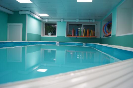 Роспотребнадзор пытался оштрафовать частный бассейн в Вологде за требование медсправки с посетителей