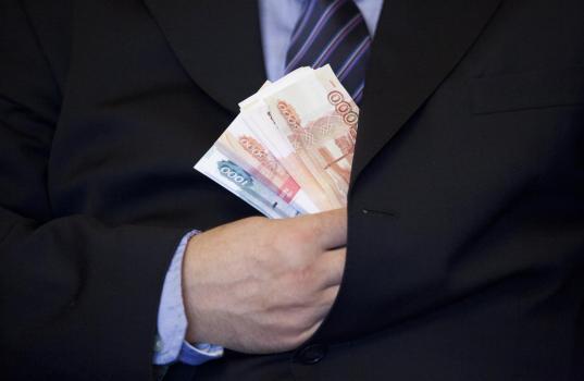 Глава администрации Кириллова подозревается в незаконном назначении премий себе и своим подчиненным