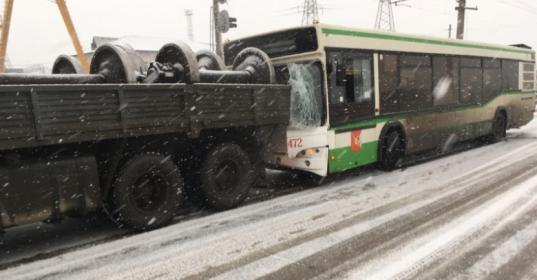 В Вологде будут судить водителя автобуса №1, устроившего ДТП с КамАЗом