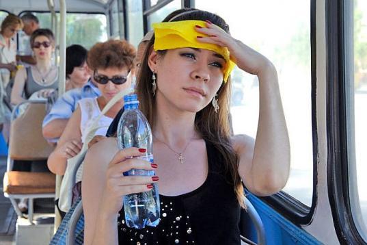 """Лето, жара: кардиолог клиники """"Вита"""" о том, как оказать первую помощь при обмороке"""