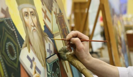 В Череповце приставы разыскали иконописца, который задолжал алименты на троих детей