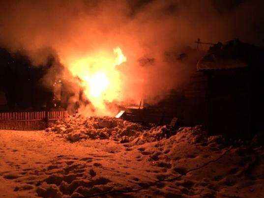 В Вожегодском районе двое детей и один взрослый погибли на пожаре из-за неисправного печного отопления