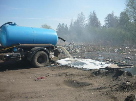 «Чагодаводоканал» заплатит 7,2 млн рублей за загрязнение земли фекальными водами