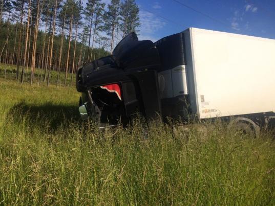 Три человека погибли встолкновении «Фольксвагена» ифуры вЧереповецком районе