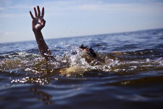 Три человека утонули в водоемах Вологодской области за два дня