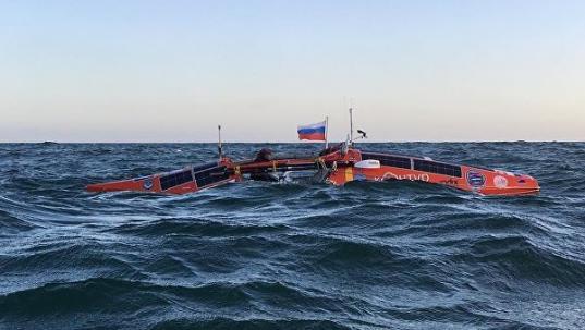 Федор Конюхов впервые в истории пересек Тихий океан на весельной лодке