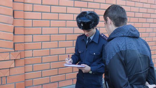 Двух жителей Сокольского района приговорили к колонии за то, что они обругали матом сотрудника УФСИН
