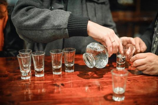 Пьяный монтажник из Кемерова убил своего коллегу во время командировки в Череповце
