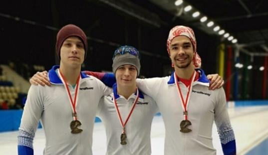 Вологжане завоевали три медали на Первенстве России по конькобежному спорту среди юниоров