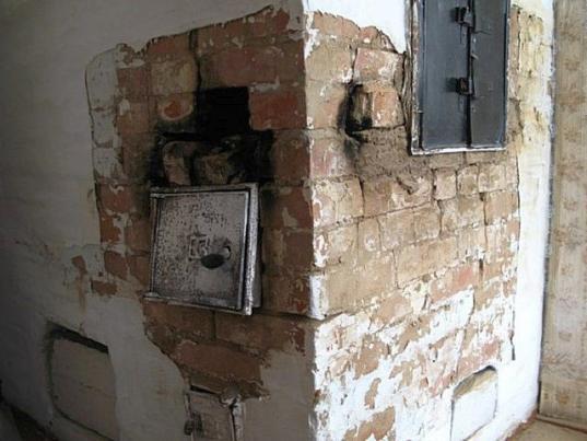 Прокуратура через суд обязала администрацию Никольска отремонтировать печь в муниципальной квартире
