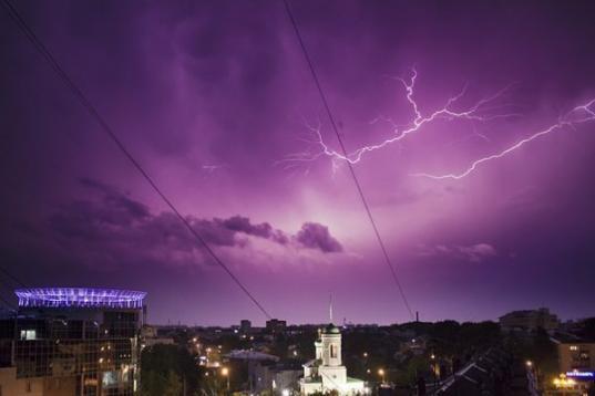 Синоптики обещают в Вологодской области грозы с градом и сильным ветром