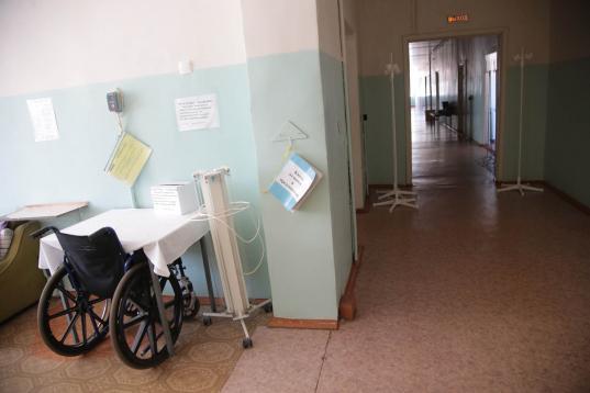В Бабаево не могут найти подрядчика на ремонт не работающего с 1994 года лифта в ЦРБ