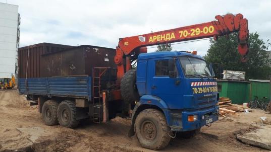 В Вологде снесли незаконные гаражи у школы №14