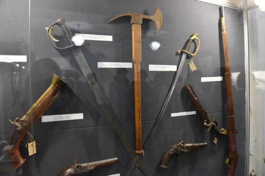 В Череповце открылась выставка военного оружия разных эпох