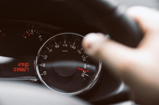 В Никольске суд лишил прав водителя, за два года 20 раз оштрафованного за превышение скорости