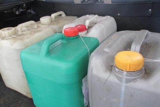 Сотрудник МУПа в Череповце за полгода слил 1500 литров дизельного топлива со служебного «КамАЗа»